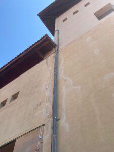 instalación de desagüe en fachada