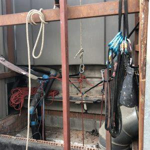 equipo de arnés y líneas de vida para trabajos verticales