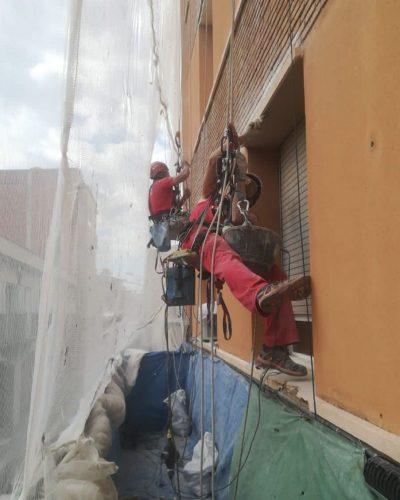 equipo de trabajos verticales